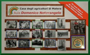 La bacheca dell'Aula Domenico Notarangelo presso la Casa degli Agricoltori di Matera